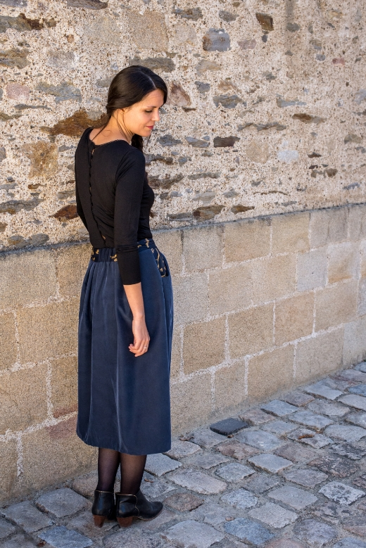 2018-09/1537428811_jupe-automne-mi-longue-lilly-slow-fashion-mode-ethique-made-in-france-julie-laurent-4-
