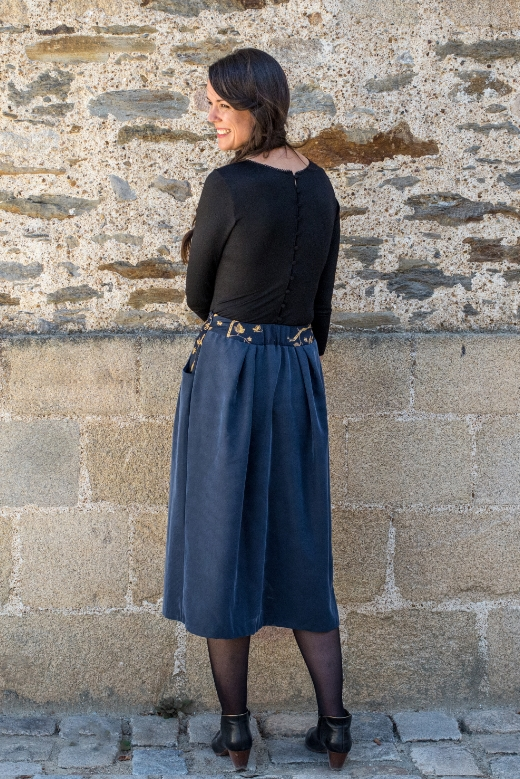 2018-09/1537428817_jupe-automne-mi-longue-lilly-slow-fashion-mode-ethique-made-in-france-julie-laurent-1-
