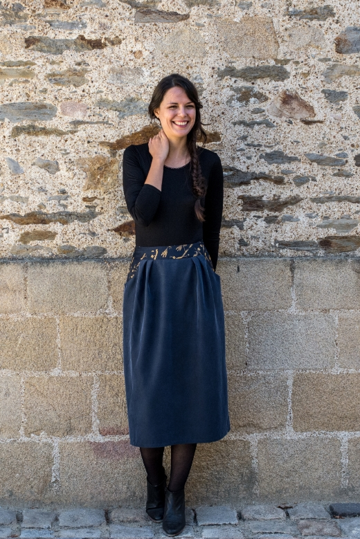 2018-09/1537428908_jupe-automne-mi-longue-lilly-slow-fashion-mode-ethique-made-in-france-julie-laurent-3-