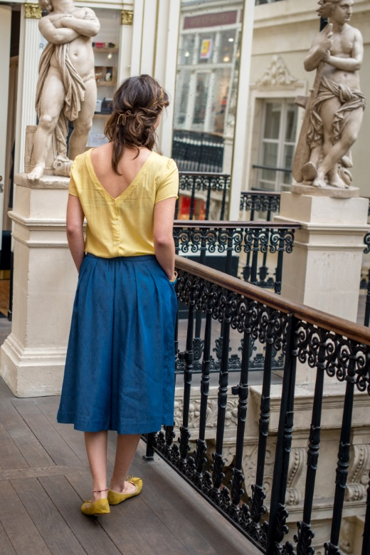 2019-04/1554283760_pantalon-jupe-culotte-jean-jean-blouse-dos-nu-printemps-made-in-france-mode-ethique-julie-laurent-1-